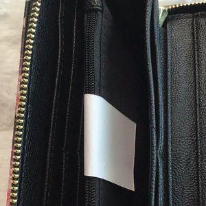 Betsey Johnson Bags - Betsey Johnson Clutch Wristlet Wallet